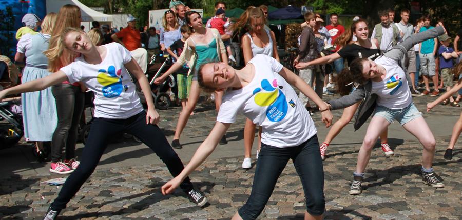 Fairer Tanzflashmob zum 1. Mai